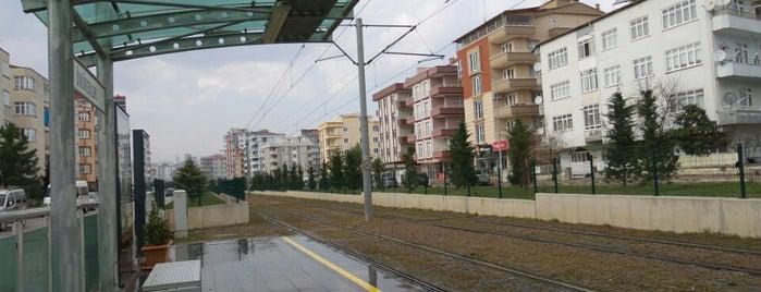 Ömür Evleri Tramvay Durağı is one of Samsun'un Hafif Raylı Sistemleri.