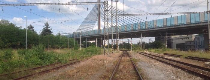 Praha Vršovice vjezdové nádraží is one of Železniční stanice ČR: P (9/14).
