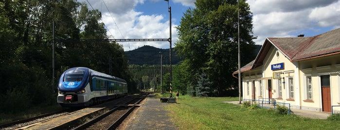 Železniční zastávka Perštejn is one of Železniční stanice ČR: P (9/14).