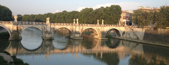 Ponte Vittorio Emanuele II is one of Rome.
