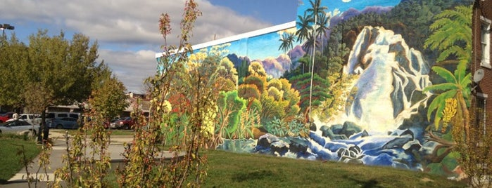 Mural Tour is one of Flip, Flip, Flipadelphia!.