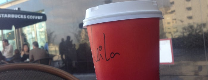 Starbucks is one of Peq. Alm. & Lanche (Grande Porto).