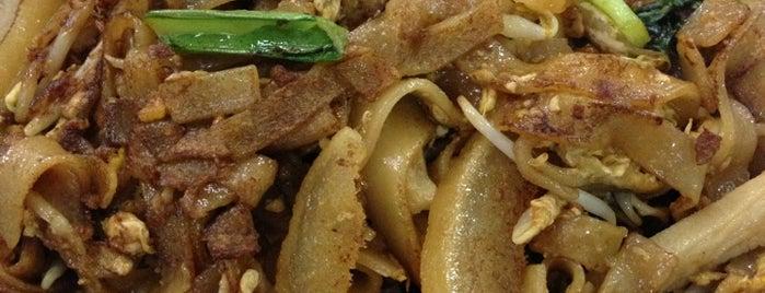 Kwetiaw Sapi Kelapa Gading is one of Top 10 dinner spots in Jakarta, Indonesia.