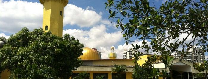 Masjid Darul Ehsan is one of masjid.