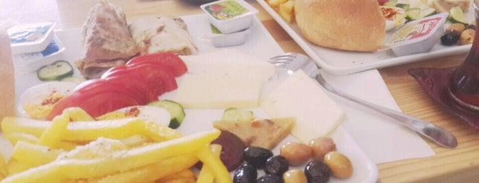 Café Milano is one of Konya'da Café ve Yemek Keyfi.