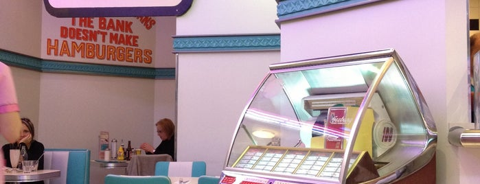 Tommy Mel's is one of Salir en Madrid.