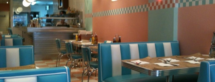 Peggy Sue's is one of Restaurantes que admiten cheques Gourmet.