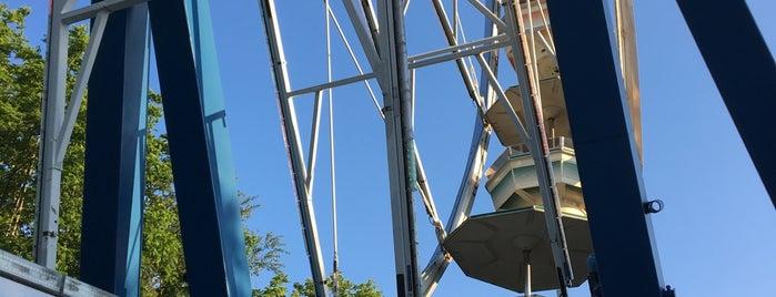 Ferris wheel is one of Favorite Arts & Entertainment.