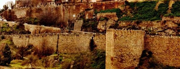 Alcázar de Toledo is one of Esto no se come!...Pero me gusta.