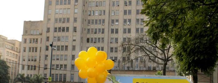 Estación 43 - Plaza Houssay [Ecobici] is one of Estaciones de Ecobici de la Ciudad de Buenos Aires.