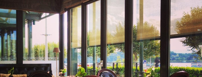 Windows Restaurant is one of Genève City Guide.