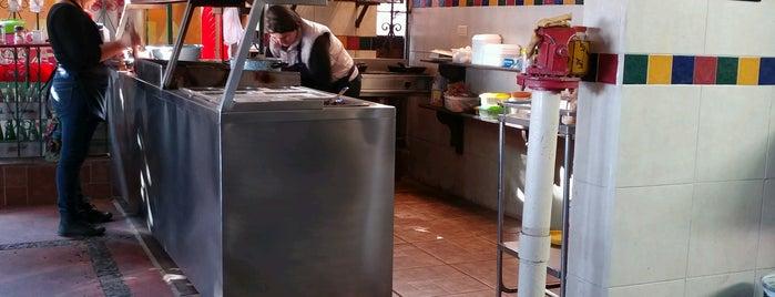 Desayunos Doña Rossy is one of Lugares con buena comida.