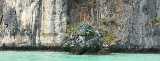 Phi Phi Island is one of Thailand TOP places.
