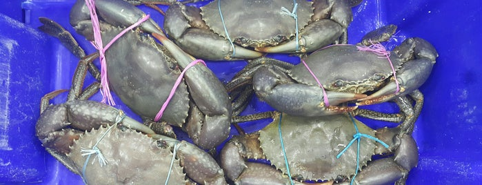 Musumeci Seafood is one of Around The World: SW Pacific.