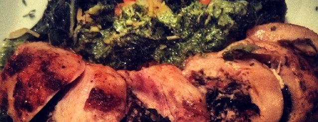 White Oak Kitchen + Drinks is one of HTOWN🌃⛽️🔥🔥.