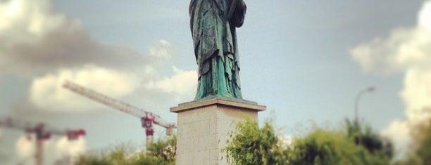Statue de la Liberté is one of Paris.