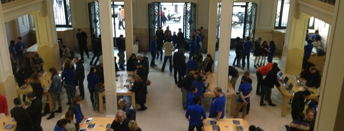 Apple Opéra is one of Essential shopping in Paris.