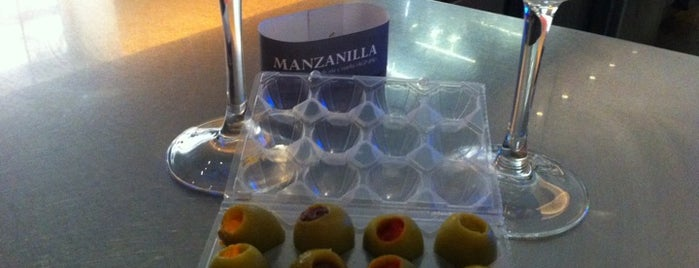 Manzanilla Bar is one of Málaga.