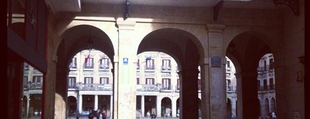 Bar La Unión is one of Pintxos y Tapas en Vitoria-Gasteiz.