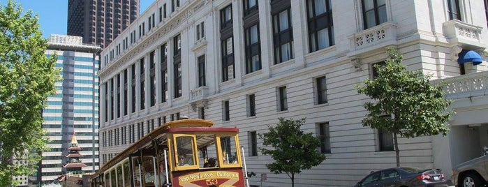 California Street Cable Car is one of City By The Bay.