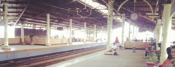 Stasiun Cikini is one of activity goes to campus.