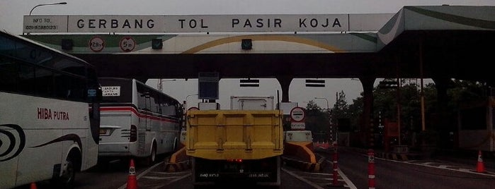Gerbang Tol Pasir Koja is one of Nyunyai permai.