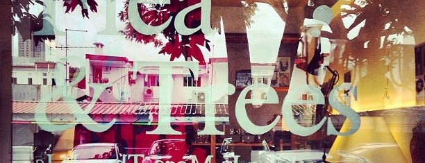 Flea & Trees is one of Places To Go.