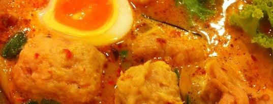 รวยแซ่บ ก๋วยเตี๋ยวต้มยำไข่หวาน is one of อร่อย: ใกล้ ๆ บ้าน (บ้านลาดพร้าว).