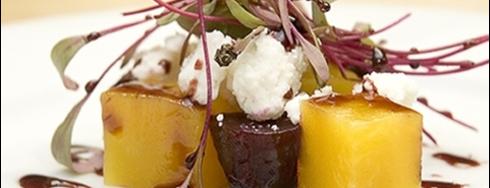 Lucas&Tomás is one of Restaurantes, Bares, Cafeterias y el Mundo Gourmet.