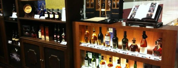 Liquor Lounge is one of Shop until you drop.