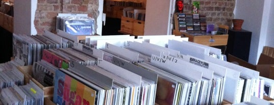 Bis auf's Messer is one of Vinyl in Berlin.