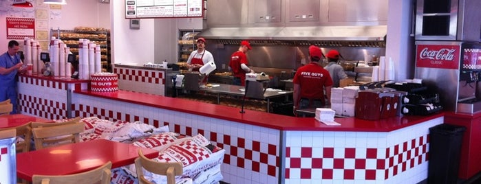 Five Guys is one of Cattle Crawl.