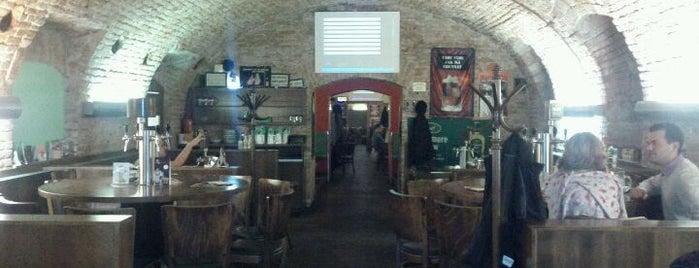 Mamut Pub is one of Brno.