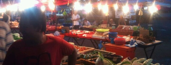 Pasar Malam Kamunting is one of Favorite affordable date spots.