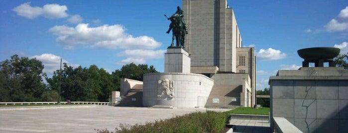 National Memorial on the Vítkov Hill is one of Žižkovský průvodce Restaurace Záležitost.