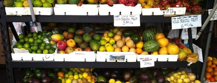 Village Farmers' Market is one of Real World Hawaii ~ Big Island.