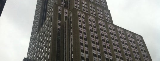 Empire State Building is one of Apple Store.