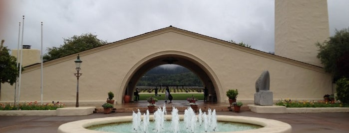 Robert Mondavi Winery is one of Viñedos  and More.