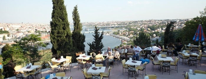 Pierre Loti Tarihi Kahve is one of Istanbul City Guide.