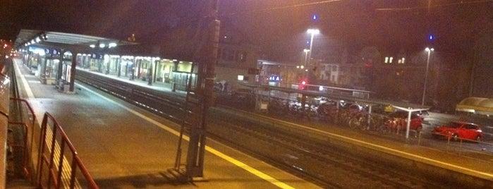 Bahnhof Solothurn is one of Bahnhöfe.