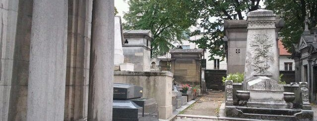 Cementerio del Père-Lachaise is one of Best of World Edition part 1.