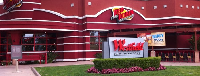 Red Robin Gourmet Burgers is one of Guide to La Jolla's best spots.
