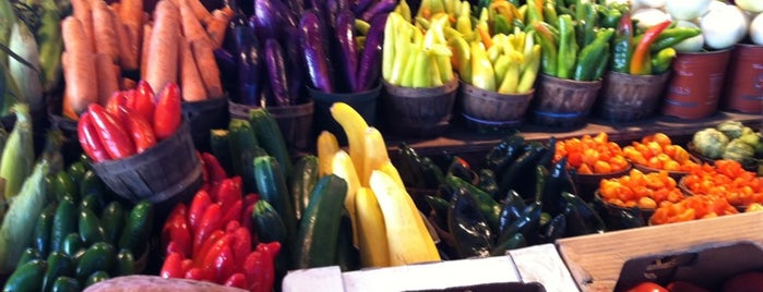 Dallas Farmers Market is one of SARA! MICHELLE! TEXAS! All good things here...