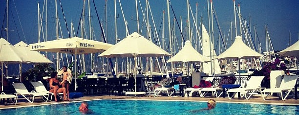 Swimming Pool Marina is one of Marmaris.
