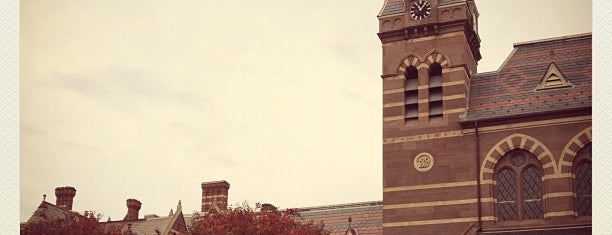 Université Gallaudet is one of ♡DC.