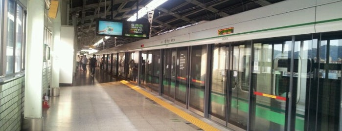 Guui Stn. is one of Subway Stations in Seoul(line1~4 & DX).
