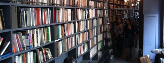 Used Book Café is one of Paris, je mange.