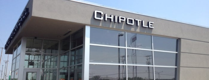 Chipotle Mexican Grill is one of Fort Wayne Food.