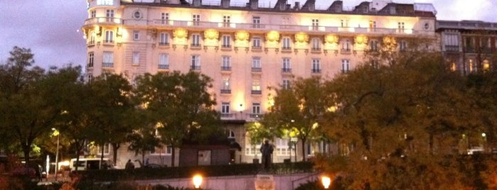Hotel Ritz is one of Conoce Madrid.