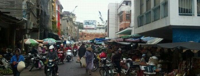 Dalat Market is one of Đà Lạt.